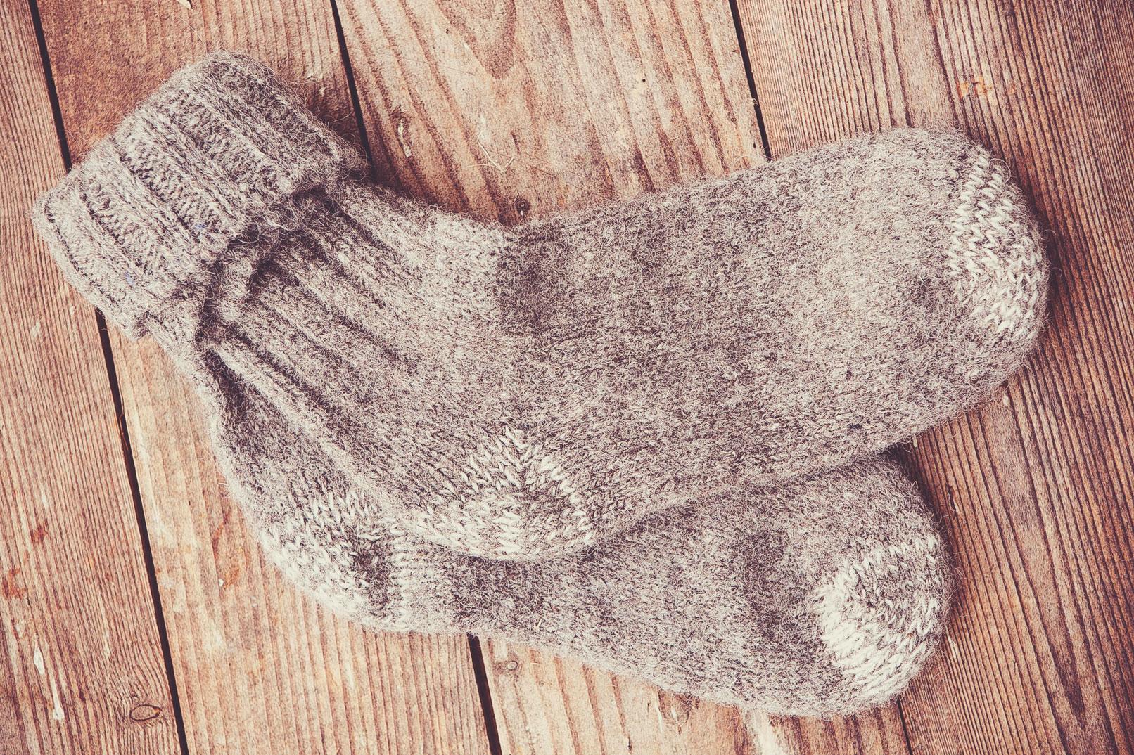 Socken aus Schafschurwolle.